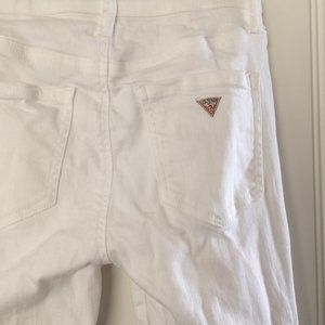 mid/high waisted white guess skinny jeans